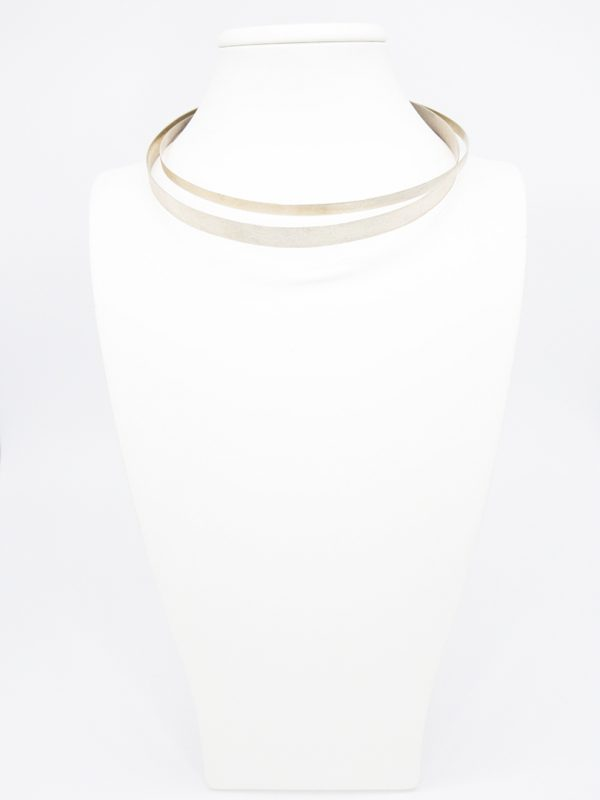 Collartz presenta el Collar de Plata Rasgada de 2 Aros
