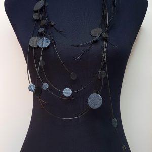 Collartz presenta los modernos Collares de Piel de 7PM Leather