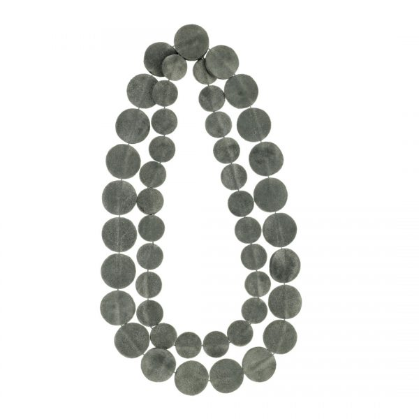 Collartz presents the Leather Grey Necklace Drops of Mother of Pearl Short 3