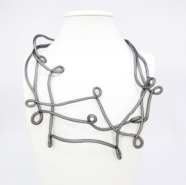 Collartz Pearl Grey Necklace 3