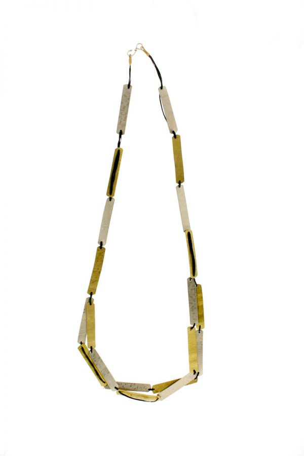 Collartz presents the Cleo Long Necklace 3