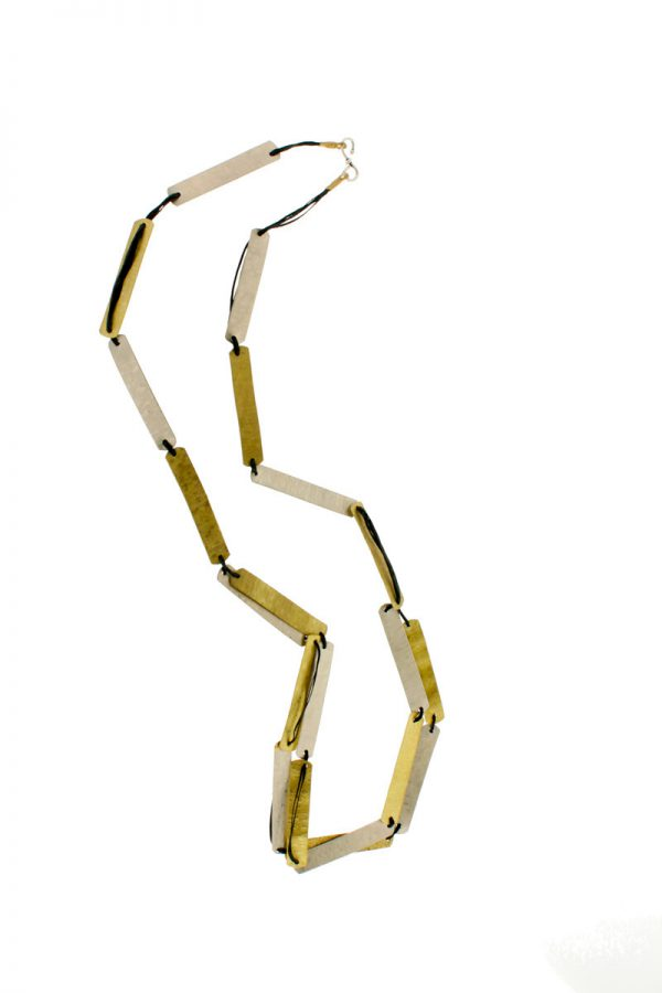 Collartz presents the Cleo Long Necklace 2