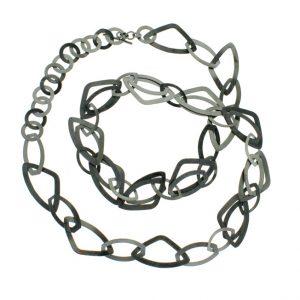 Collartz presenta el Collar Largo Gris Antracita 2