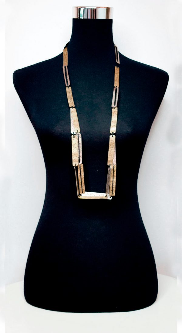 Collartz presents the Cleo Long Necklace 4
