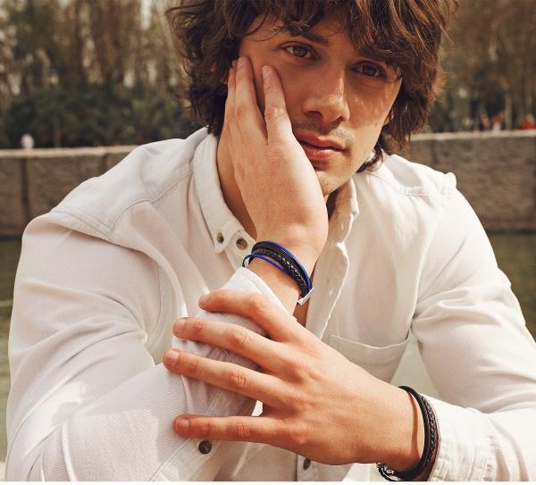 Collartz presents the Blue Leather Bracelet for Men