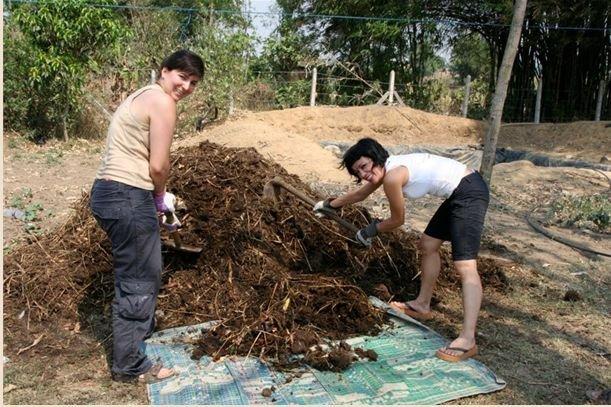 Collartz Lidia Pitzalis Trabajando en un orfanato de Nepal