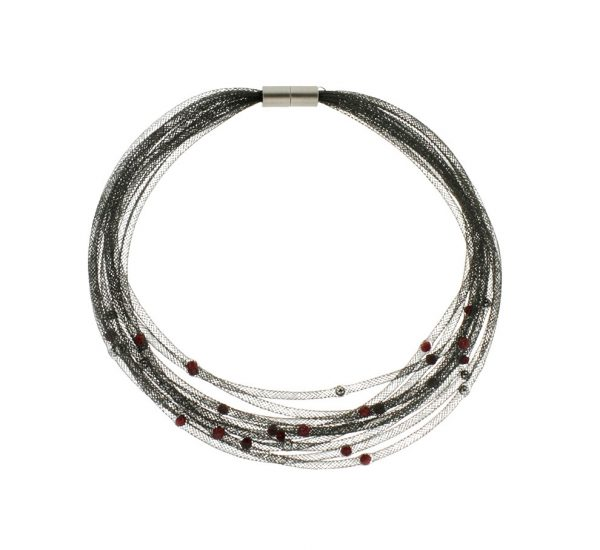 Collartz presents the Thread Black Choker with Red Pearls, by Elena Valenti 2