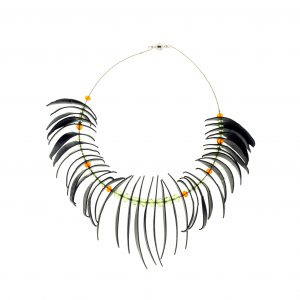 Collartz Recycled Rubber Necklace Agapornis