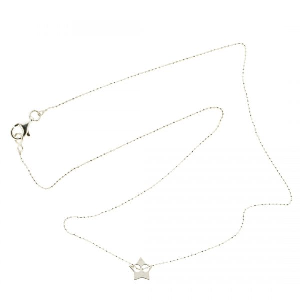 Collartz-minimal Silver Chain with a star pendant 3